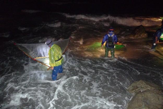 Fischer in der Nacht.