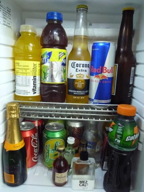 """Kein Wasser, nur grausliges """"Vitaminwater"""" in der Minibar"""